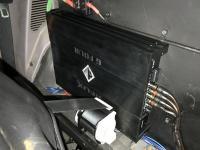 Установка усилителя Helix G FOUR в Mitsubishi L200