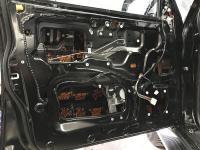 Установка Comfort Mat Dark D2 в Mitsubishi Pajero IV