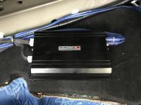 Установка усилителя Nakamichi NA-MD1 в Toyota RAV4.5