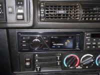 Фотография установки магнитолы Pioneer DVH-730AV в BMW 5 (E34)