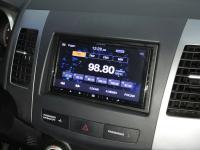 Фотография установки магнитолы Alpine iLX-W650BT в Mitsubishi Outlander XL