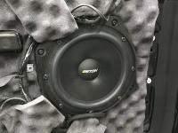 Установка акустики Eton POW 200.2 Compression в Land Rover Range Rover Sport