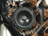 Установка акустики Eton POW 200.2 Compression в Volkswagen Multivan T6