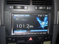 Фотография установки магнитолы Alpine IVA-W520R в Volkswagen Touareg