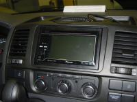 Фотография установки магнитолы Pioneer AVH-P3200BT в Volkswagen Caravelle