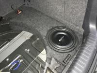Установка сабвуфера Eton Move M10 Flat в Volkswagen Tiguan