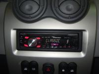 Фотография установки магнитолы Pioneer DEH-2300UB в Renault Sandero