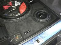 Установка сабвуфера Eton Move M10 Flat в Audi Q7 II (4M)