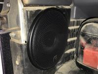 Установка акустики Morel Maximo Coax 5 в Land Rover Defender