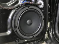 Установка акустики Focal Universal ISU200 в Volkswagen Touareg