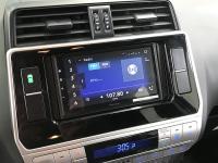 Фотография установки магнитолы Pioneer DMH-Z6350BT в Toyota Land Cruiser 150