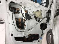 Установка Comfort Mat Dark D2 в Renault Master