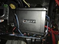 Установка усилителя Hertz HCP 4D в Mercedes E class (W213)