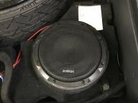Установка сабвуфера Audison APS 8 D в Audi Q7 II (4M)