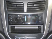 Фотография установки магнитолы Pioneer MVH-8300BT в Hyundai Solaris