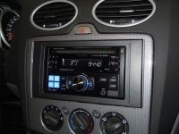 Фотография установки магнитолы Alpine CDE-W203Ri в Ford Focus 2