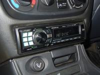 Фотография установки магнитолы Alpine CDE-9880R в Nissan Almera