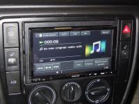 Фотография установки магнитолы Sony XAV-E70BT в Volkswagen Passat
