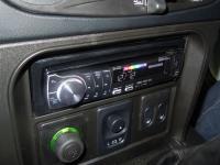 Фотография установки магнитолы Pioneer DEH-6310SD в Chevrolet Niva