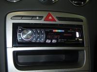 Фотография установки магнитолы Pioneer DEH-6310SD в Peugeot 308