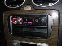 Фотография установки магнитолы Pioneer DEH-140UB в Ford Focus 2