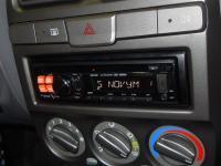 Фотография установки магнитолы Alpine CDE-120RM в Hyundai Accent
