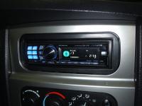 Фотография установки магнитолы Alpine CDA-117Ri в Dodge Ram 1500