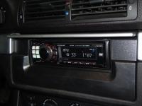 Фотография установки магнитолы Alpine CDE-9880R в BMW 5 (E39)