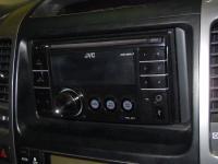 Фотография установки магнитолы JVC KW-XR417EE в Toyota Land Cruiser 120