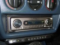Фотография установки магнитолы Pioneer DEH-P77MP в Mercedes E class