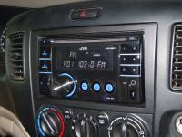 Фотография установки магнитолы JVC KW-XR417EE в Mazda MPV