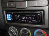 Фотография установки магнитолы Alpine CDE-123R в Hyundai Accent