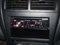 Фотография установки магнитолы Pioneer DEH-2300UB в Nissan Almera Classic