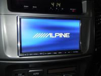 Фотография установки магнитолы Alpine IVA-W520R в Toyota Land Cruiser 100