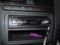 Фотография установки магнитолы Alpine CDE-131R в Volkswagen Polo V