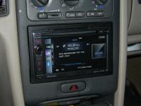 Фотография установки магнитолы Pioneer AVIC-F930BT в Volvo S70