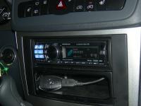 Фотография установки магнитолы Alpine CDA-117Ri в Mercedes Vito (W639)