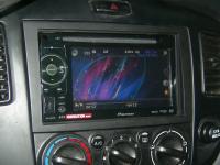 Фотография установки магнитолы Pioneer AVH-1400DVD в Mazda MPV