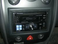 Фотография установки магнитолы Alpine CDE-W203Ri в Renault Megane 2