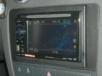 Фотография установки магнитолы Pioneer AVH-1400DVD в Audi A3 (8P)