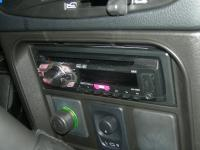 Фотография установки магнитолы Pioneer DEH-1400UB в Chevrolet Niva