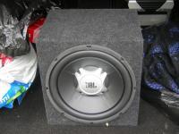 Установка сабвуфера JBL GT5-12 в Ford Focus 2
