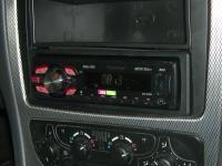 Фотография установки магнитолы Pioneer MVH-1400UB в Mercedes C class