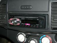 Фотография установки магнитолы Pioneer DEH-1400UB в Nissan Micra