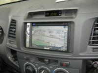 Фотография установки магнитолы Philips CID2680 в Toyota Hilux