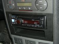 Фотография установки магнитолы Alpine CDE-131R в Ford Mondeo 3 (Mk III)