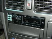 Фотография установки магнитолы Alpine CDE-9880R в Subaru Forester (SG)