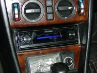 Фотография установки магнитолы Pioneer DEX-P99RS в Mercedes E class (W124)