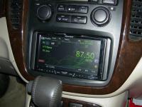 Фотография установки магнитолы Pioneer AVH-P3400DVD в Toyota Highlander