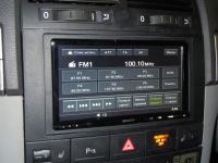 Фотография установки магнитолы Sony XAV-E70BT в Volkswagen Touareg